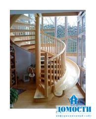 Забавный спуск по винтовой лестнице