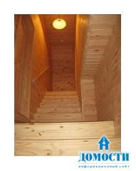 Когда нужно морить древесину бревенчатого дома: до или после постройки?