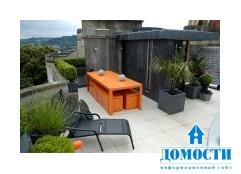 Современный сад на крыше городского дома