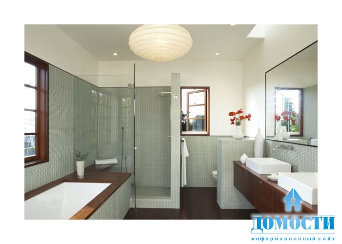 Интерьер ванных комнат с окном
