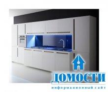 Белая кухня со всеми цветами радуги