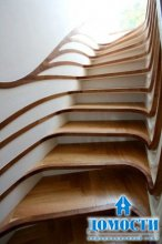 Лестница с меняющимся обликом