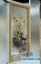 Стеклянные двери различных масштабов
