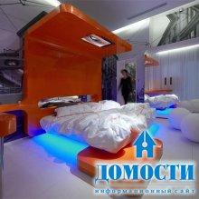 Городские улицы в гостиничных спальнях