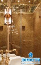 Роскошная ванная из золота и зеркал