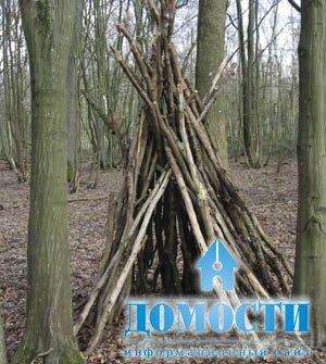 Шалаш для детей в лесу