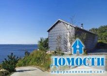 Дом-амбар на берегу моря