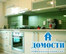 Коричнево-зеленая однокомнатная квартира