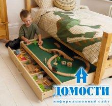 Кровать со столом для паровозиков