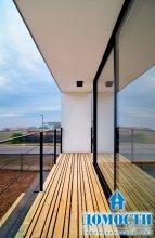 Дом из панелей с видом на океан