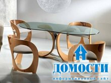 Изящный стол из дерева и стекла