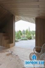 Деревянная дача с камином