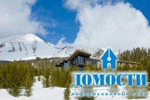 Красивый особняк среди гор