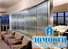 Прозрачные водопады на стекле