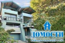 Современный дом интересной формы