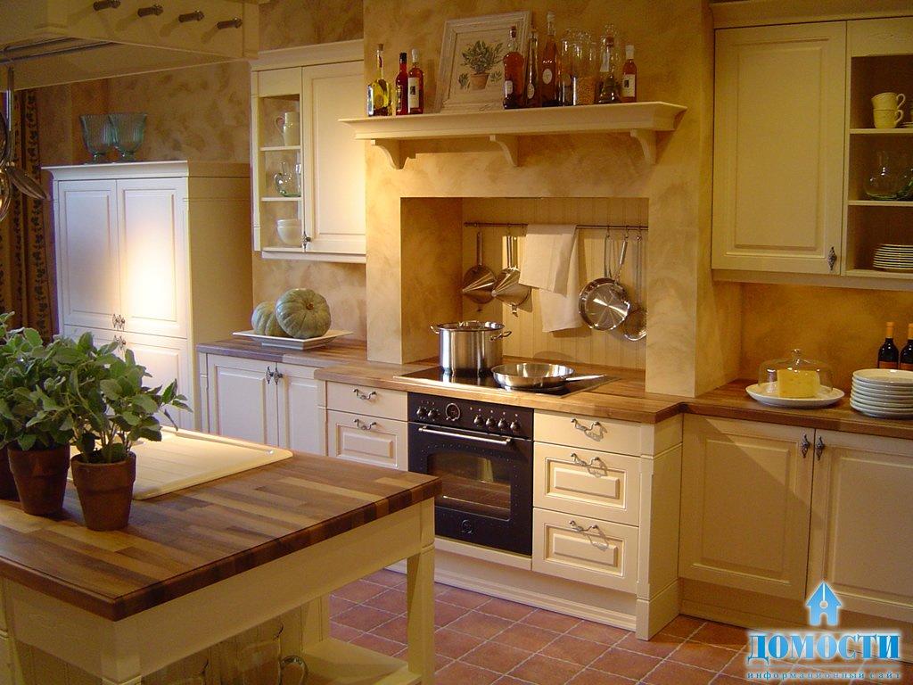 Светлый уютный дизайн кухни