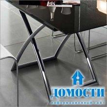 Элегантный стол из стекла