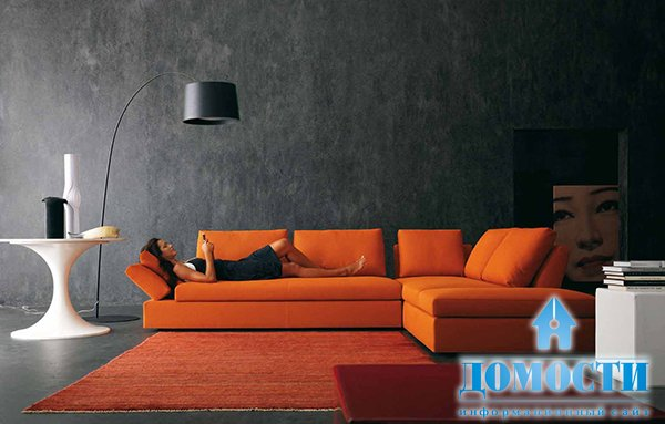 фото оранжевый диван в интерьере