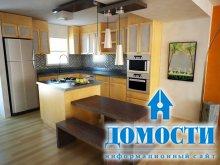 Практичный интерьер маленькой кухни