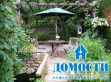 Маленький сад за домом