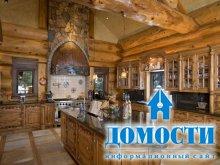 Бревенчатый деревенский дом у Скалистых гор
