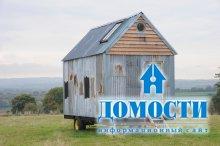 Дом в Англии из переработанных материалов своими руками