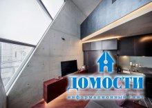 Угловатый экологичный дом в центре Токио